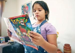 Lara Barros aprendeu a ler com gibix e lê também outras revistas
